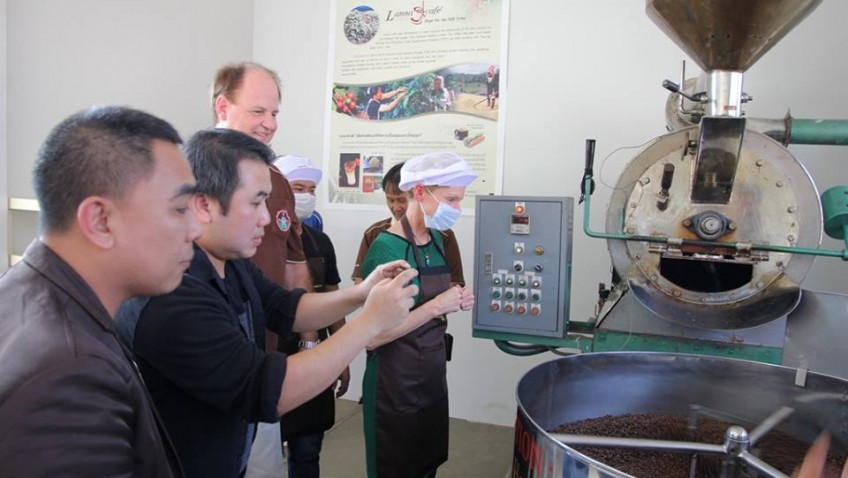 เยี่ยมโรงคั่วกาแฟ กับ เอกอัครราชทูตสหรัฐอเมริกา -22/01/2014