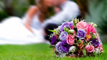 Bouquet-Banquet : ช่อดอกไม้ในงานเลี้ยง