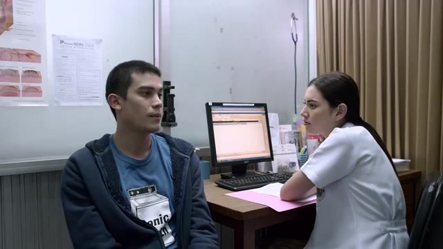 รีวิวหนัง ฟรีแลนซ์ ห้ามป่วย ห้ามพัก ห้ามรักหมอ