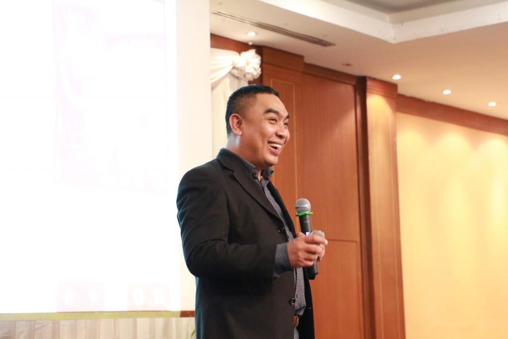 บรรยาย การทำธุรกิจออนไลน์ผ่านเครือข่ายสังคมออนไลน์ อาจารย์บอม